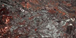 IRON_RED_POL_3CM_J060314A_CLOSEUP
