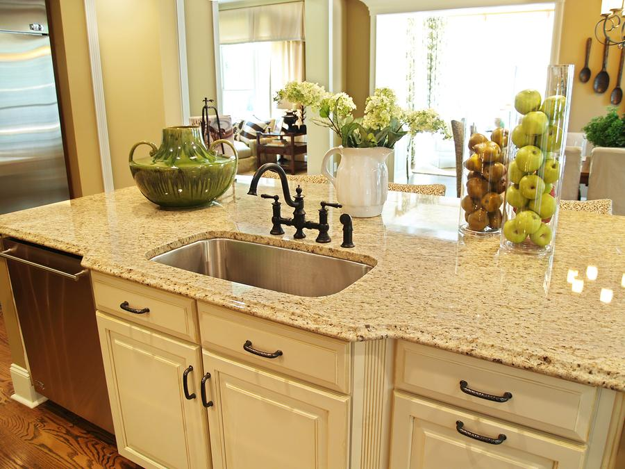Granite-Countertop-Edges.jpg